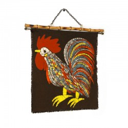Vintage wall decoration with an image of a rooster