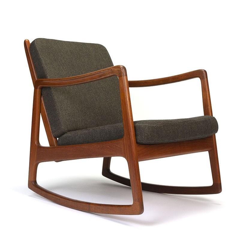 Danish vintage rocking chair design Ole Wanscher model FD110