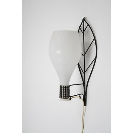 Glass wall lamp with leaf shape