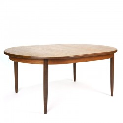 Oval extendable vintage model dining table from Gplan