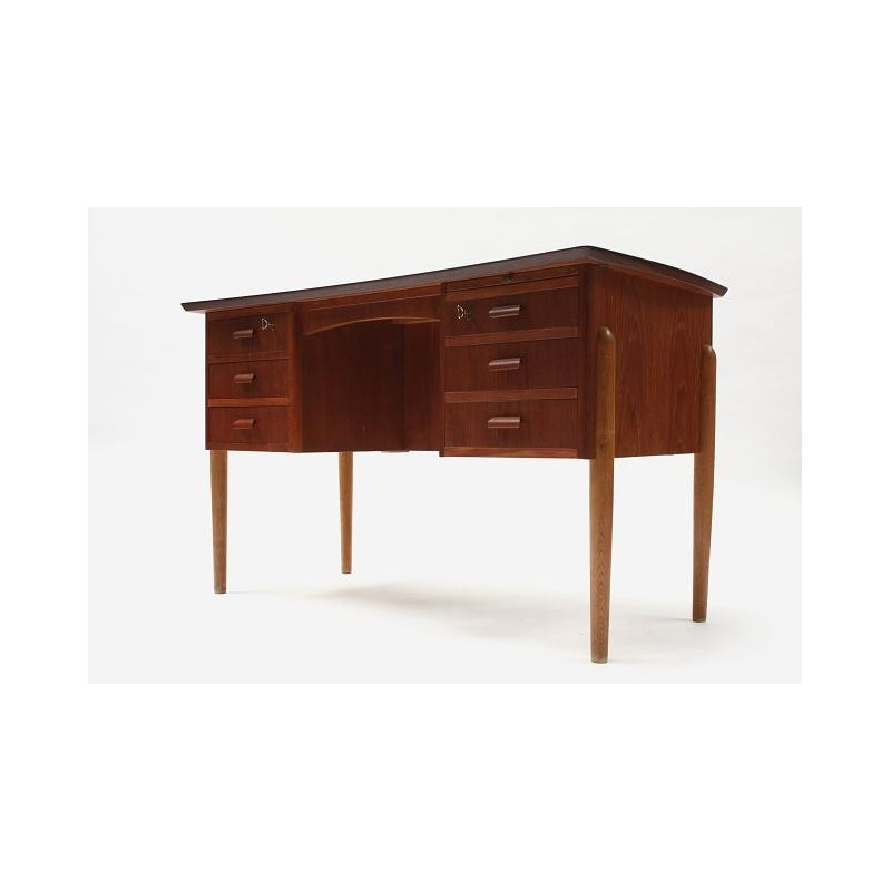 Teak desk from Scnadinavia no.3