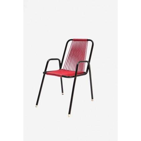 Kinderstoel met rode zitting