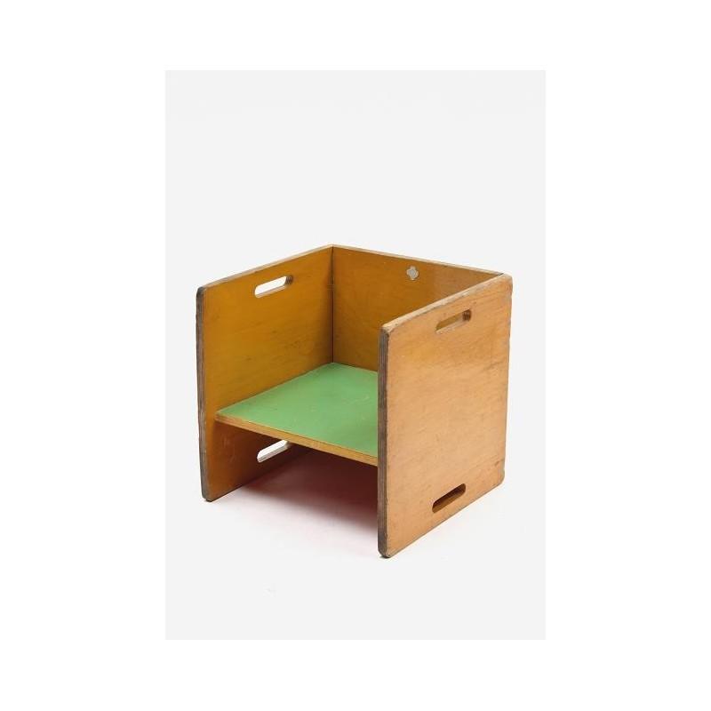 Kinderstoeltje in Rietveld/ ADO stijl