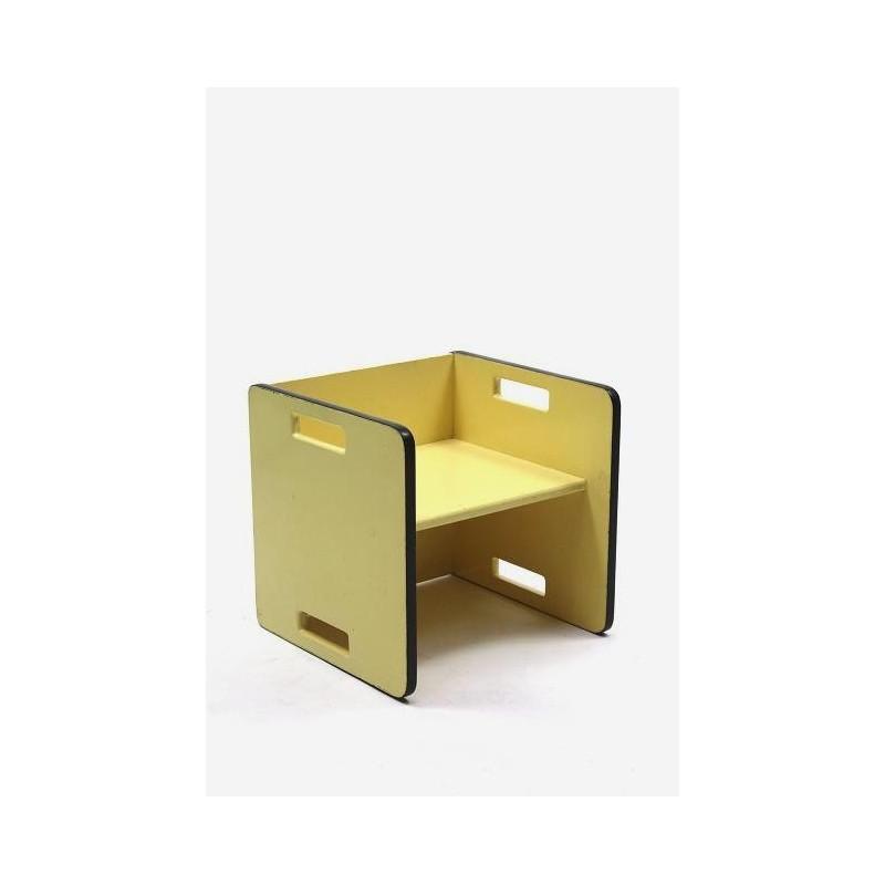 Kinderstoel in Rietveld/ ADO stijl