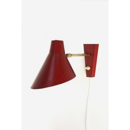 Wall lamp with red shade