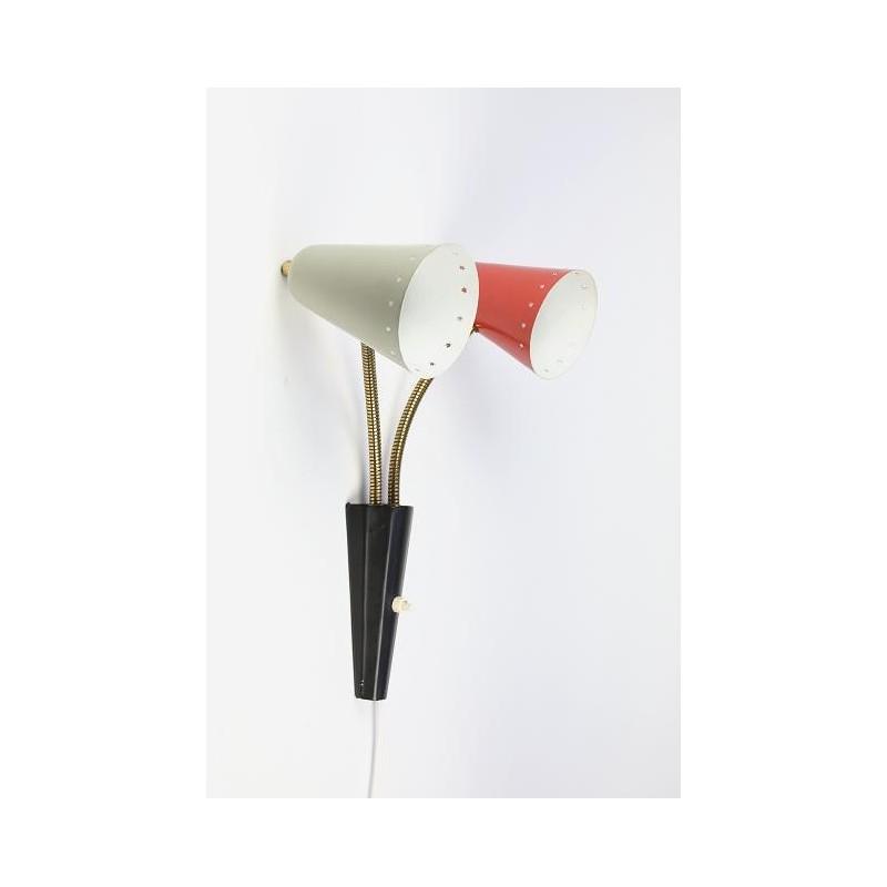 Wandlamp met grijze en rode kap