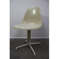 Eames La Fonda chair