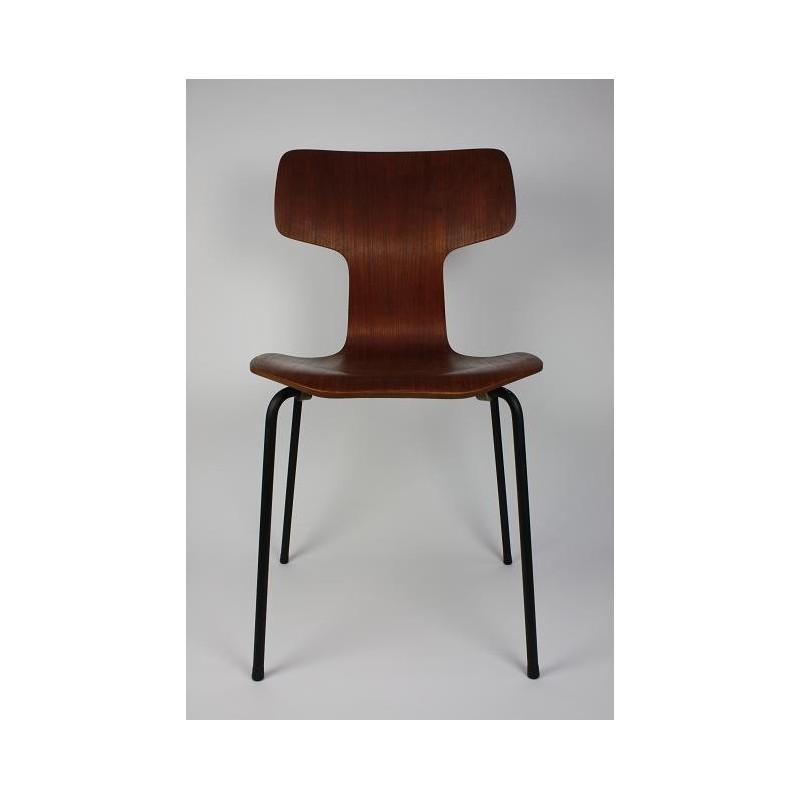 Arne Jacobsen Grand Prix chair 3130