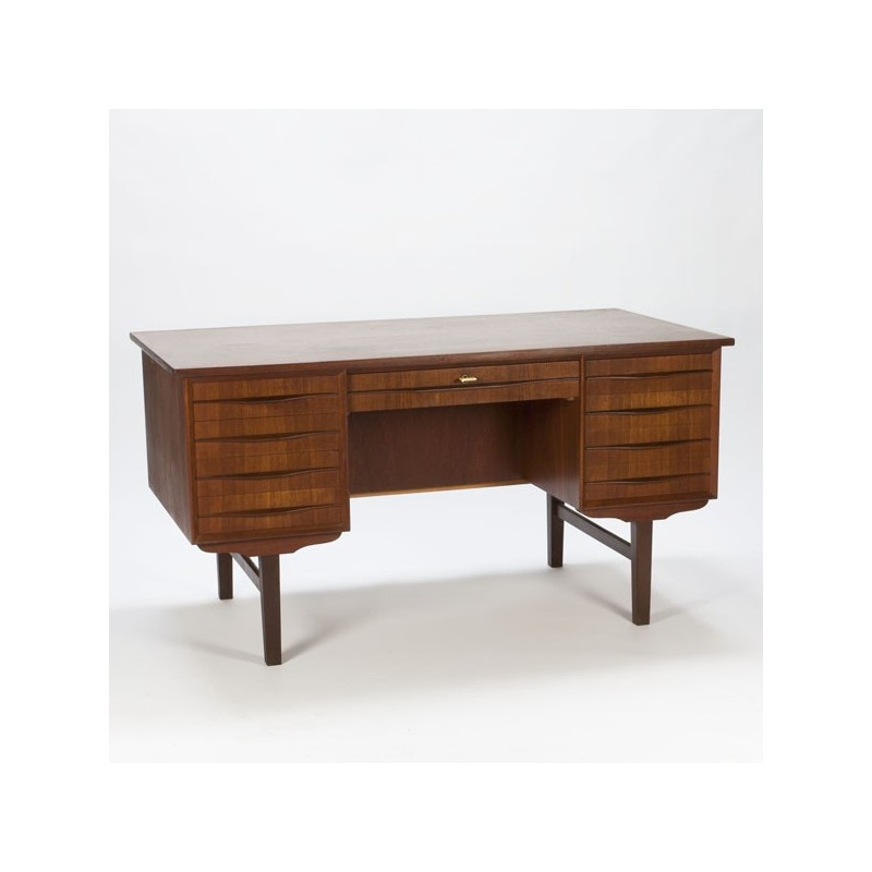 Teak desk from Scnadinavia