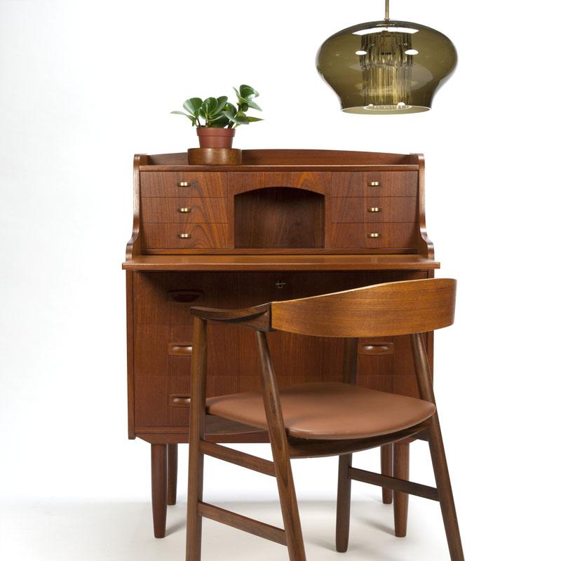 Vintage Deense secretaires te koop bij Retro Studio