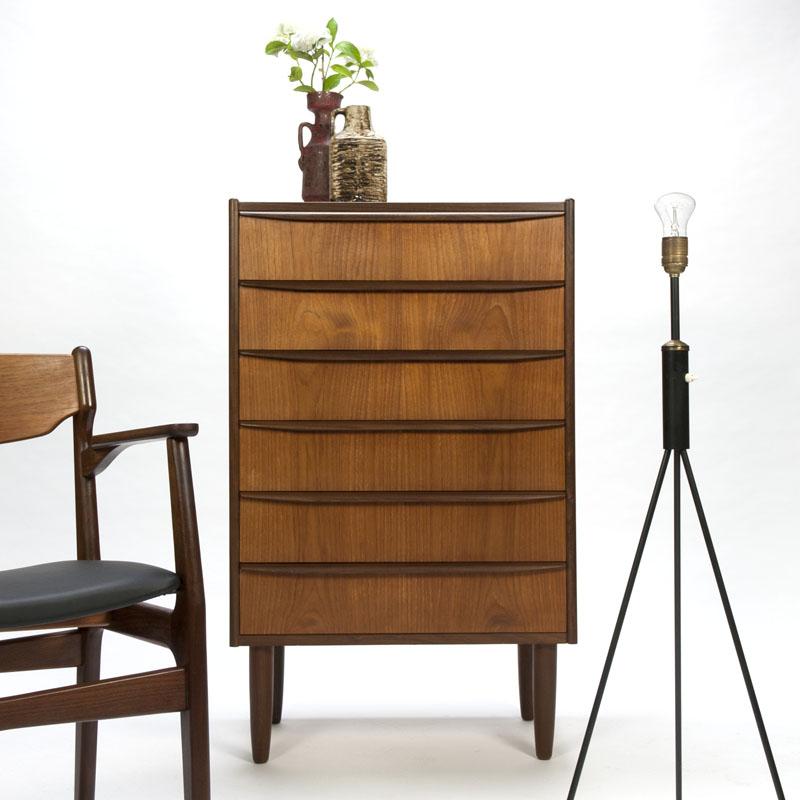 Op zoek naar Vintage mid century Deens design ladekast